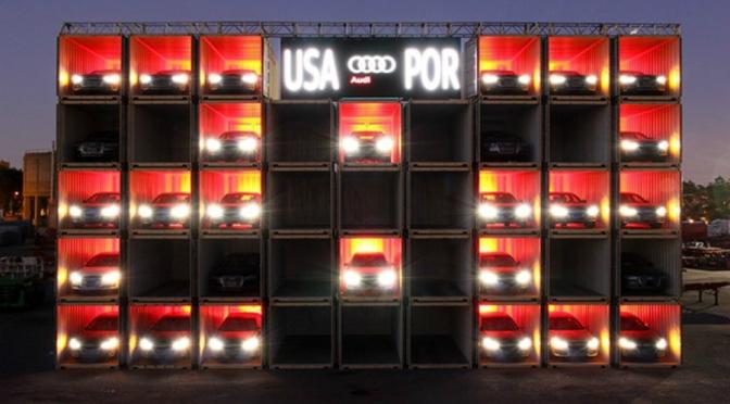 Audi potrošio 2.1 milijun dolara kako bi kreirao najveći semafor na svijetu!